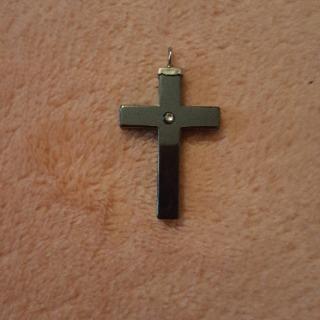 Pendentif hématite croix