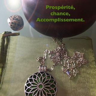 Pendentif magnétisé talisman 3