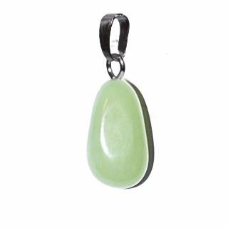 Pendentif de pierre de jade
