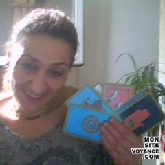 Voyance Voyantes & Médiums utilisant Jeu de 32 cartes avec noujoum voyante