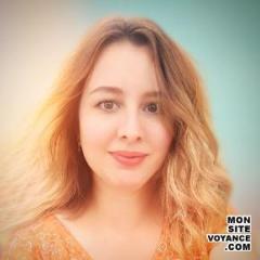Voyance Voyantes & Médiums utilisant Clairaudience avec muriel voyante