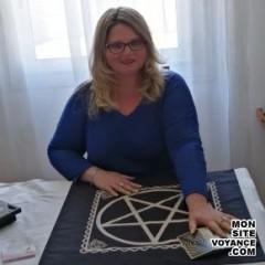 Voyance Voyantes & Médiums utilisant Oracle Gé avec poucelline voyante