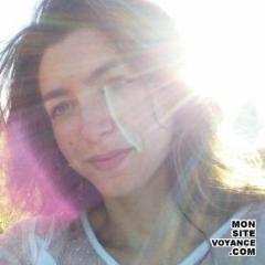 Voyance Voyantes & Médiums utilisant Oracle des Anges avec mediumlea voyante